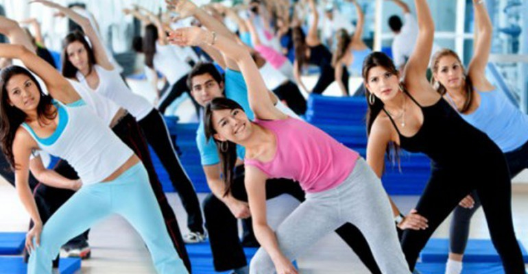 gym-group-exercising-s-1170x370
